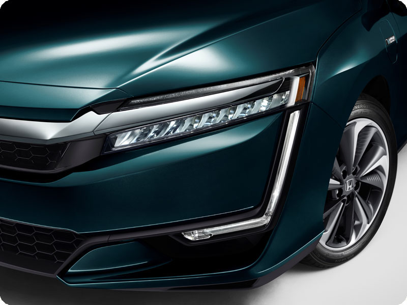Photo of 2018 Honda Clarity Plug-In Hybrid front quarter