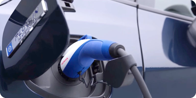 Photo of Clarity Plug-In Hybrid recharging